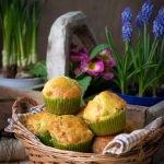Muffin salati con piselli, prosciutto e hemmental