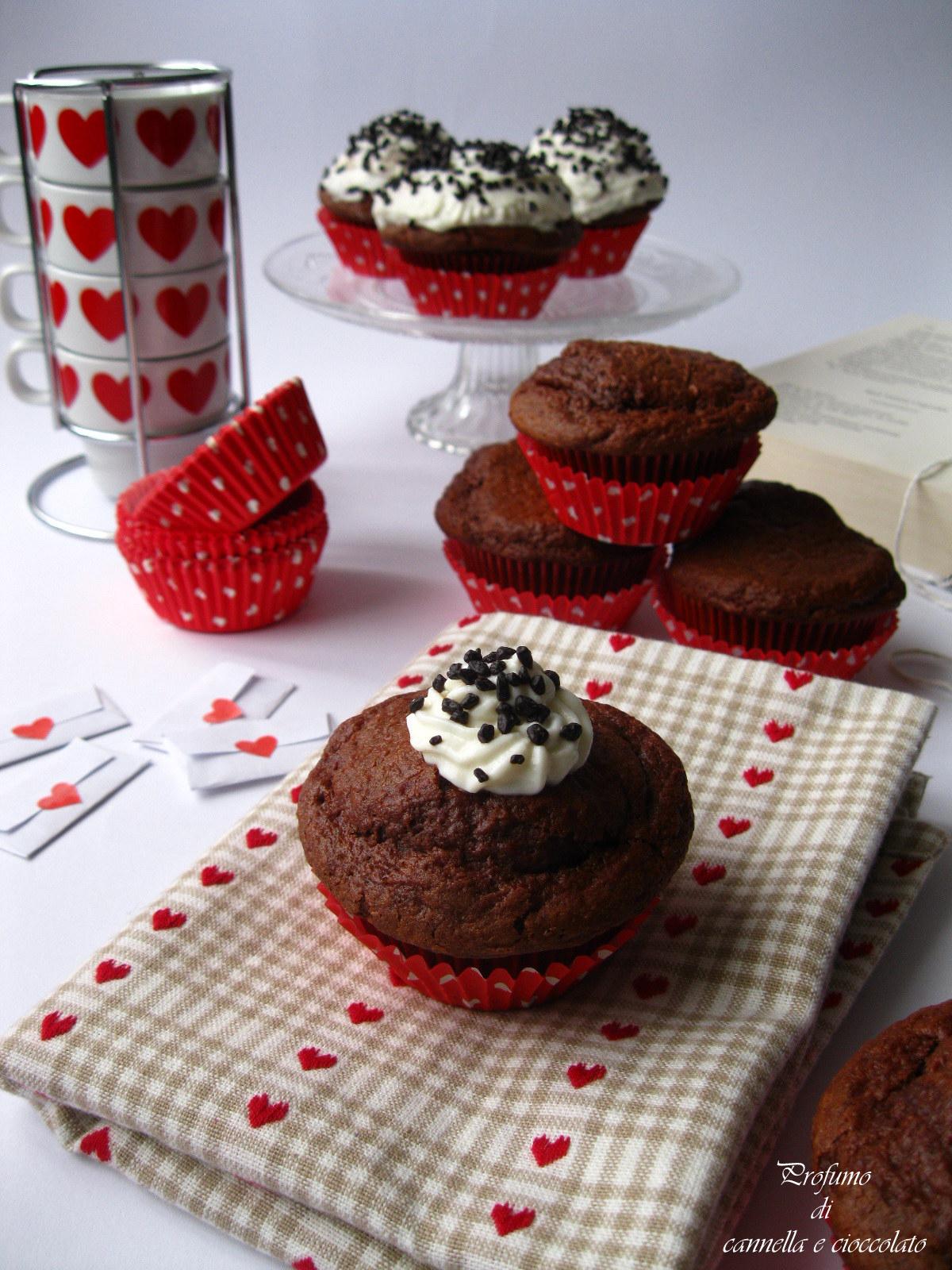Cupcake alla rapa rossa con crema alla ricotta e nutella (3)