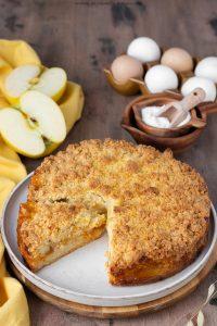 Sbriciolata con mele e confettura