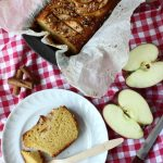 Apple, hezelnut and oat cake
