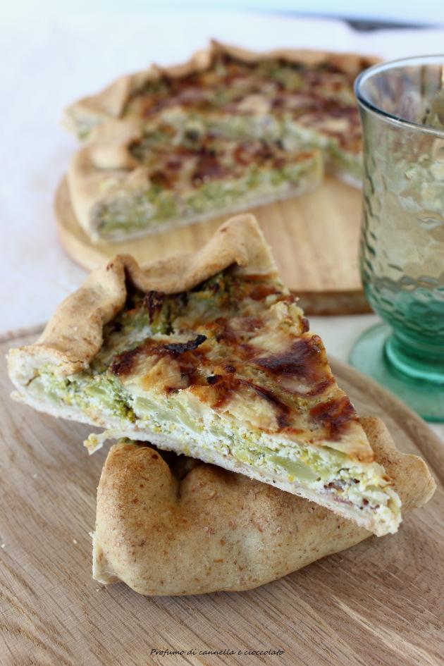 Torta salata integrale con broccoli salsiccia e gorgonzola