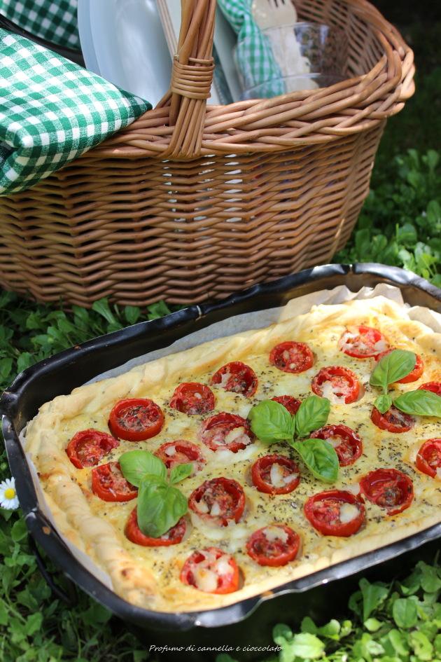 Torta salata con formaggio di capra, pomodorini e basilico 2