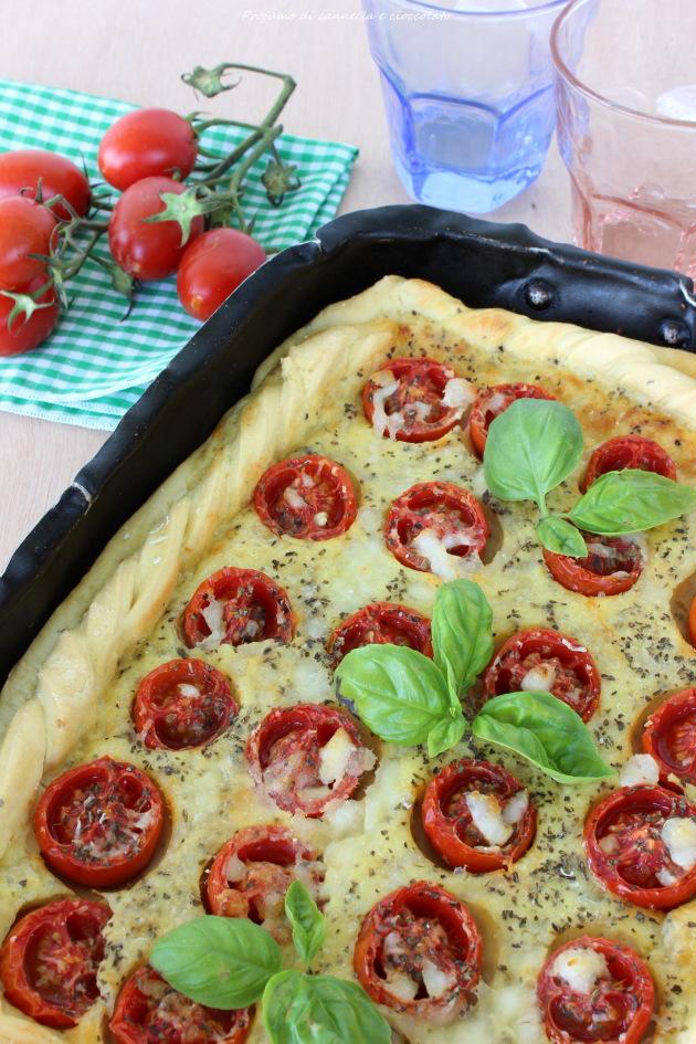 Torta salata con formaggio di capra, pomodorini e basilico 6