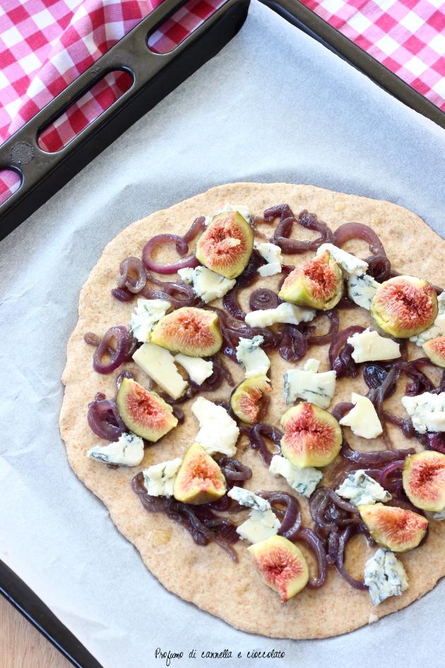 pizza fichi gorgonzola e cipolle caramellate (2)