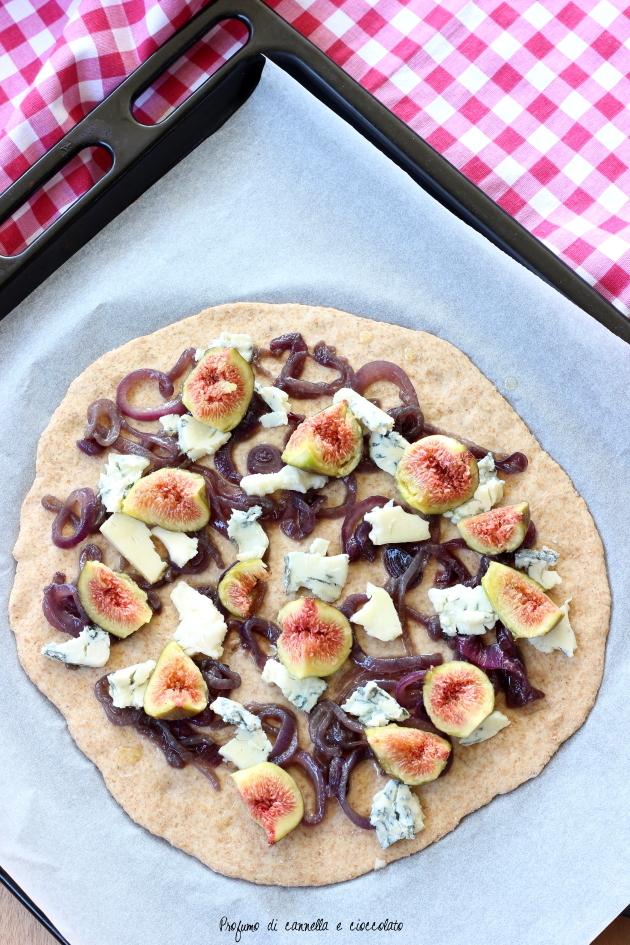 pizza fichi gorgonzola e cipolle caramellate (3)