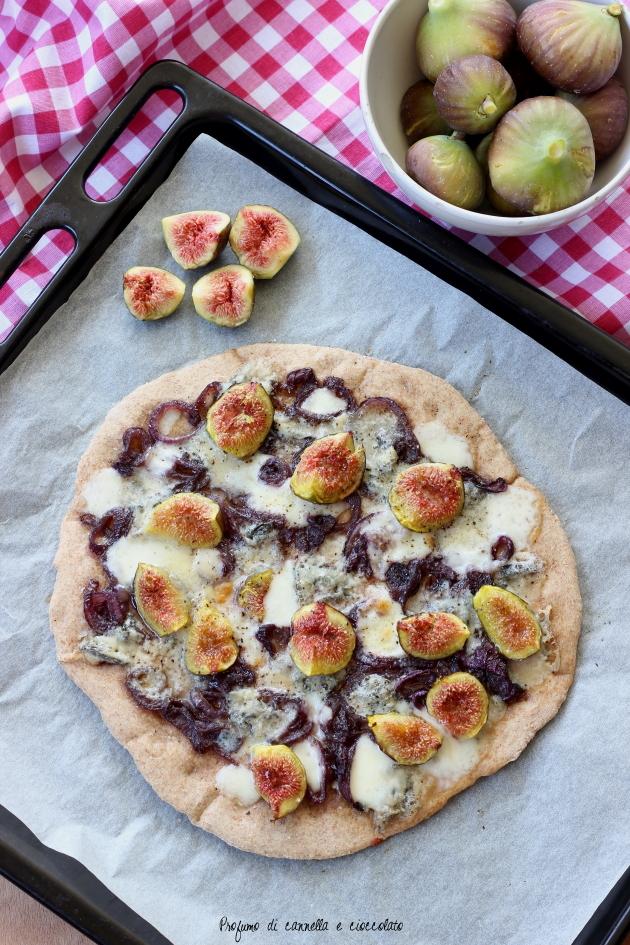 pizza fichi gorgonzola e cipolle caramellate (5)
