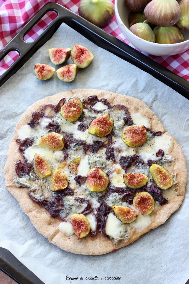pizza fichi gorgonzola e cipolle caramellate (6)