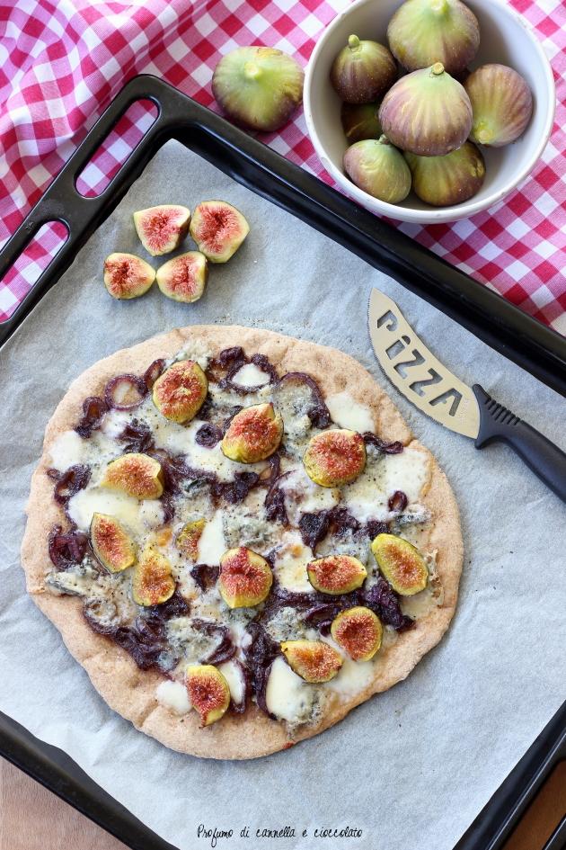 pizza fichi gorgonzola e cipolle caramellate (7)
