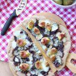 Pizza fichi gorgonzola e cipolle caramellate