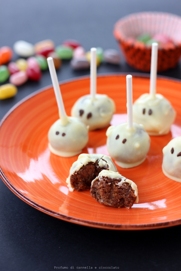 halloween mummy cake pops (8)