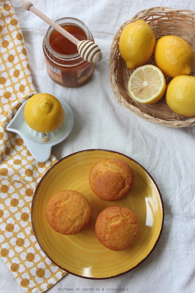 Muffin al limone e miele: la custode del miele e delle api