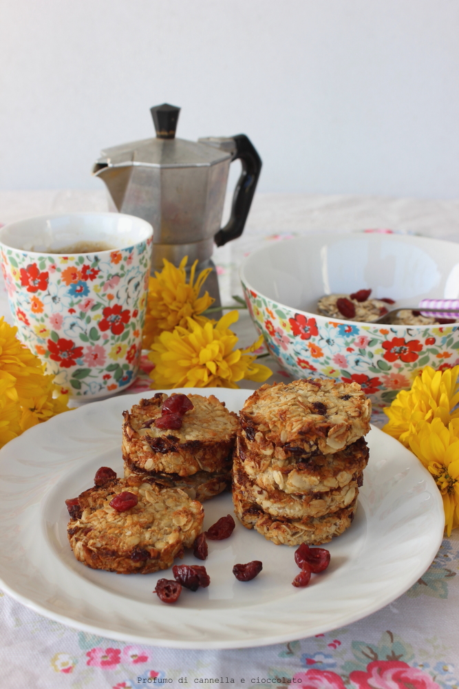 biscotti all'avena ligh e vegan con banana e mirtilli (1)