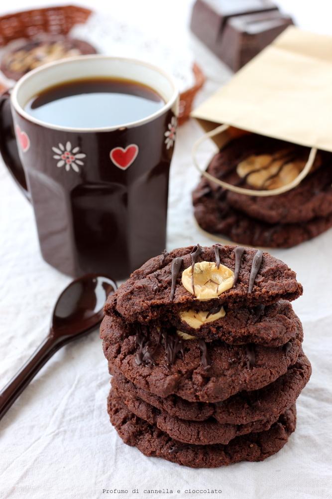 Biscotti al cioccolato e caramelle mou (1)
