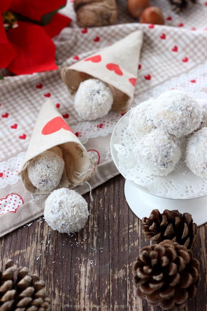 Tartufi bianchi frutta secca mirtilli rossi e cocco (3)