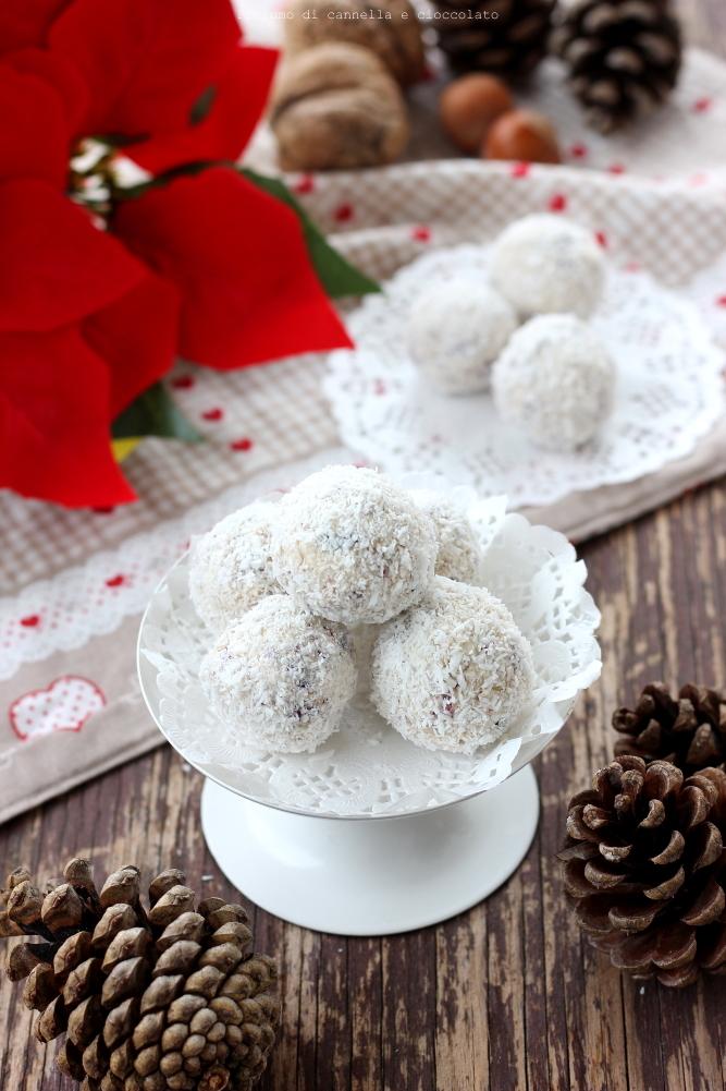 Tartufi bianchi frutta secca mirtilli rossi e cocco (4)