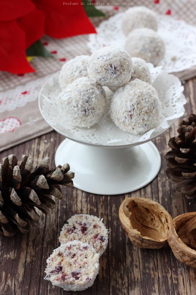 Tartufi bianchi frutta secca mirtilli rossi e cocco (9)