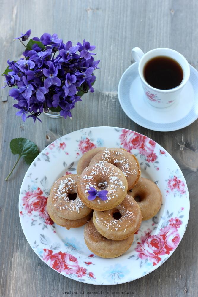 Donuts speziati con glassa allo sciroppo d'acero (1)