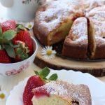 Torta morbida alle fragole e mescarpone
