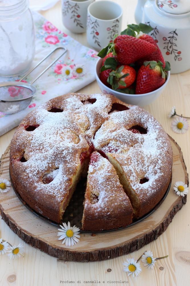 Torta morbida alle fragole e mescarpone (6)