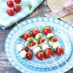 Spiedini mozzarella zucchine e pomodori