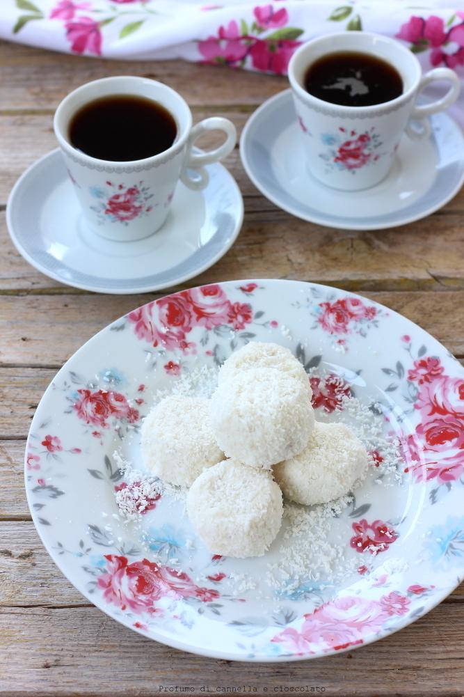 tartufini-allo-yogurt-cocco-e-mandorle-2