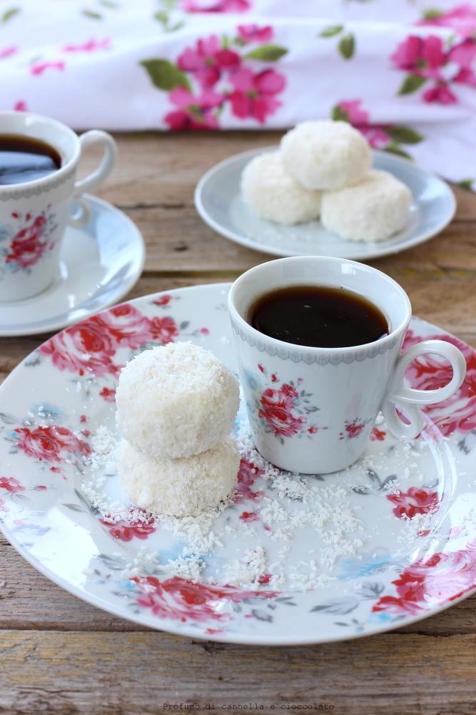 tartufini-allo-yogurt-cocco-e-mandorle-5