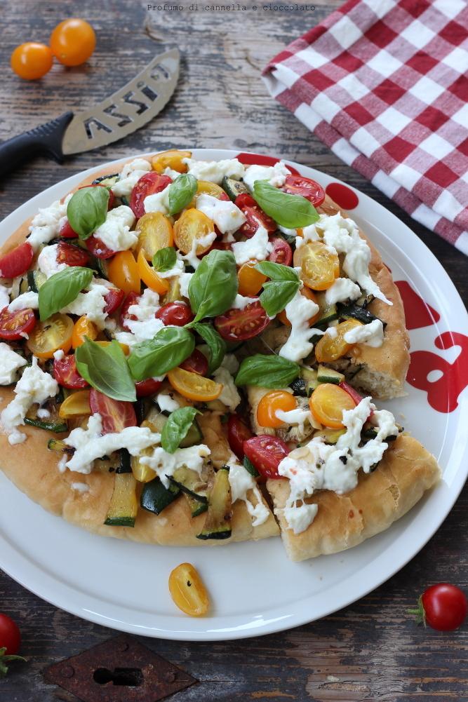 pizza-alta-e-soffice-alle-verdure-e-mozzarella-di-bufala-6