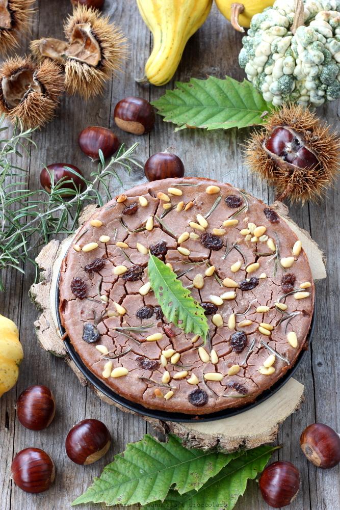 Castagnaccio con uvetta e pinoli