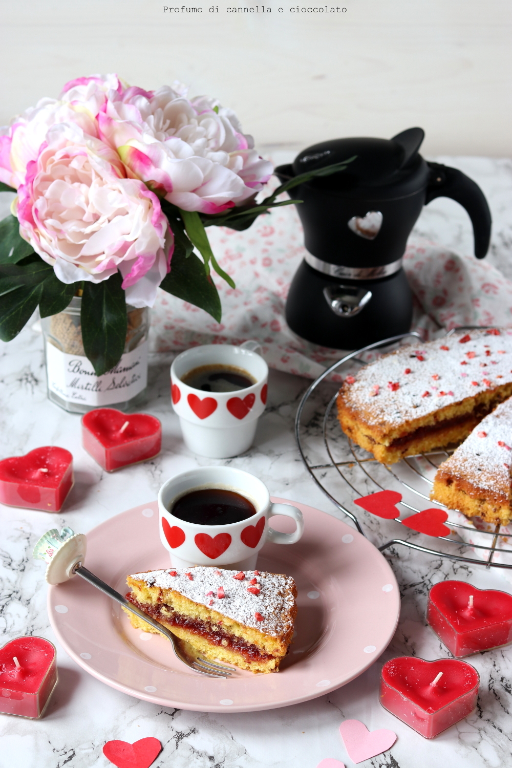 Torta a cuore alle fragole