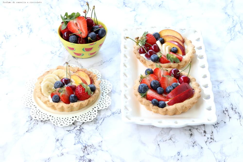Tartellette gluten free con crema allo yogurt e frutta fresca