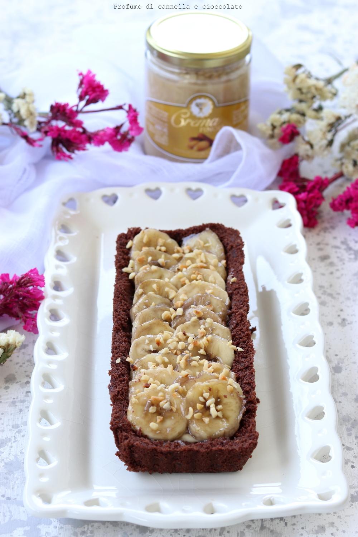 Crostata fredda con crema di pinoli e banane