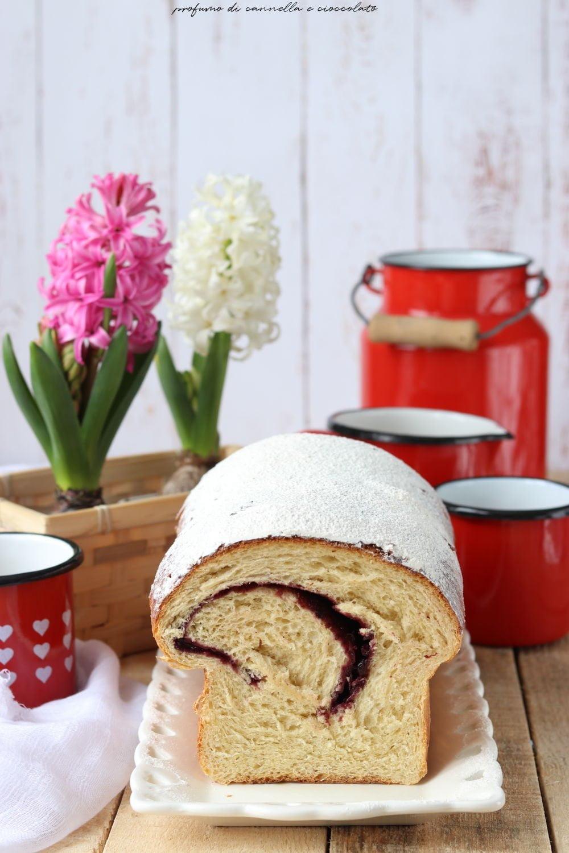 Pan brioche soffice e veloce con confettura