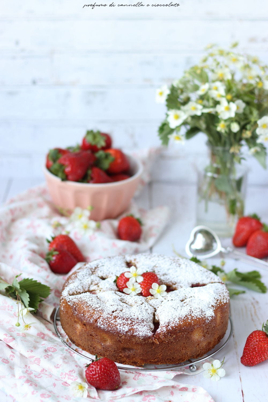 Torta soffice alle fragole e ricotta