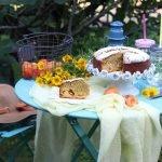 Torta soffice albicocche e mandorle