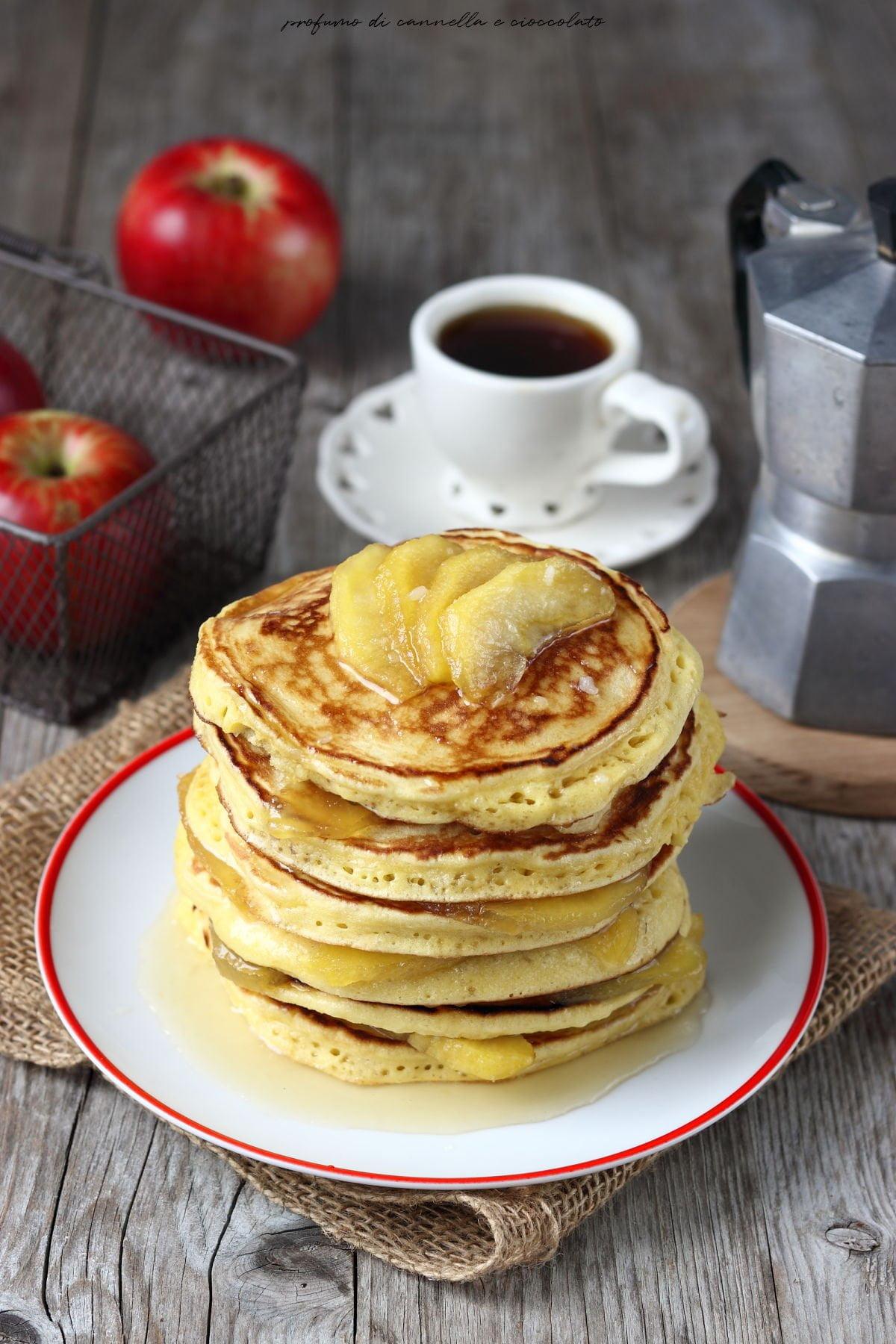 Pancakes mele caramellate e caramello