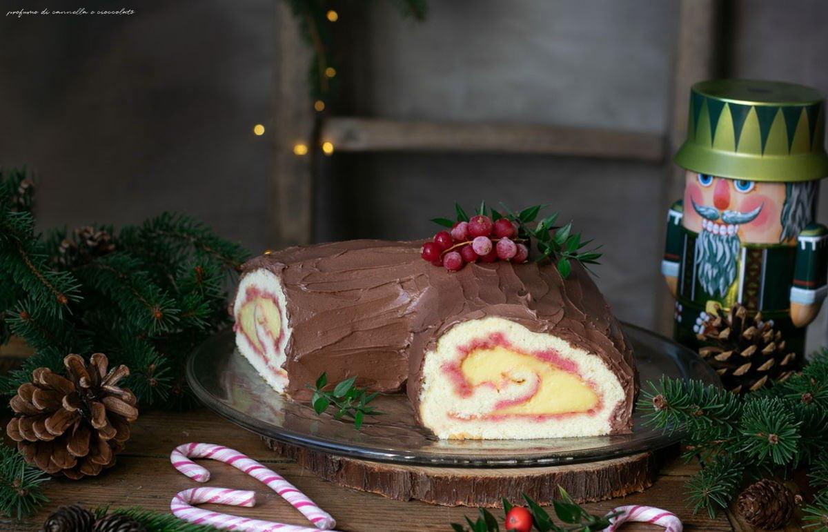Ricetta Tronchetto Di Natale Per 10 Persone.Tronchetto Al Cioccolato E Crema Pasticcera