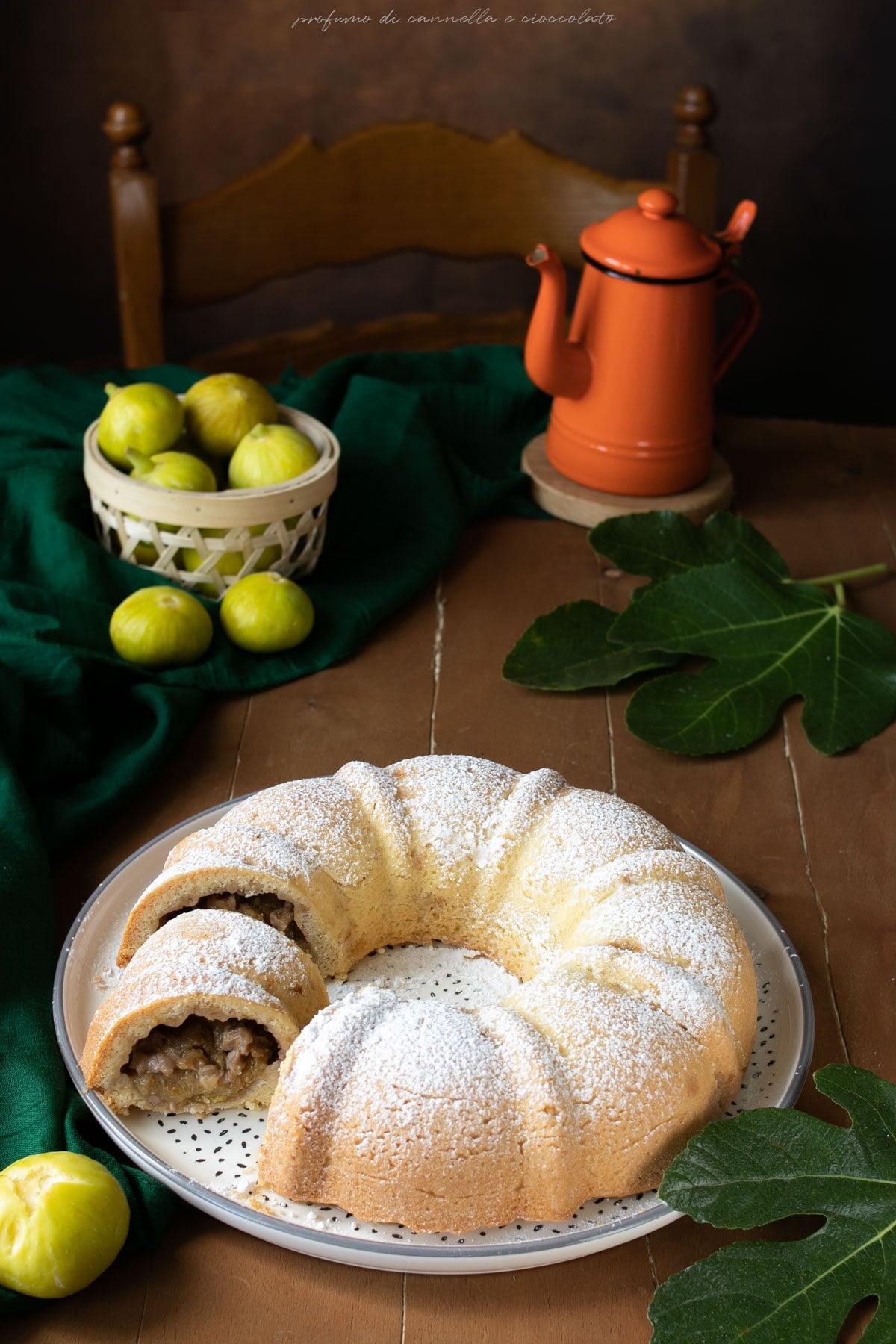 Ciambella di frolla con fichi noci e miele