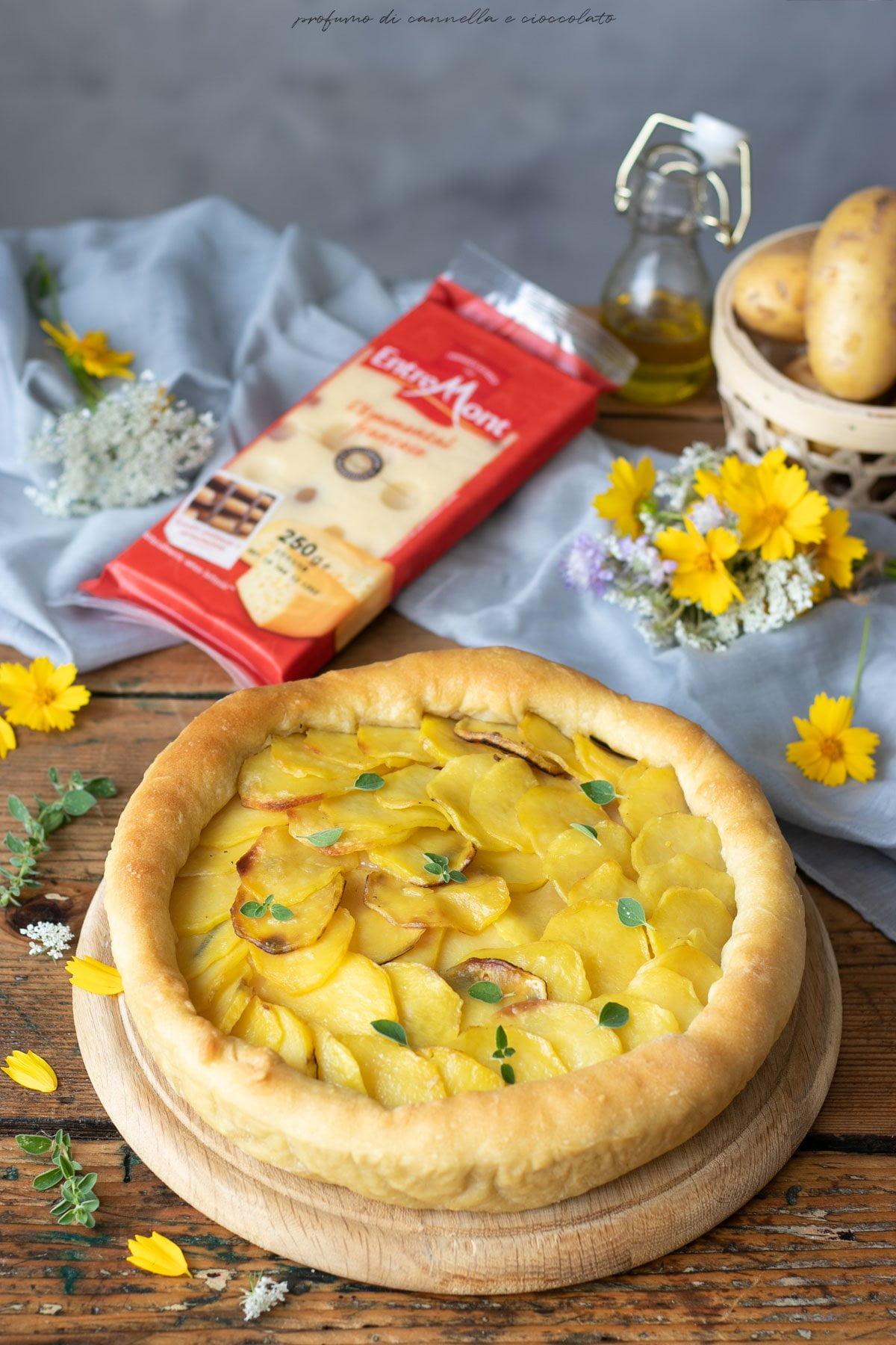 Torta salata patate emmental e prosciutto