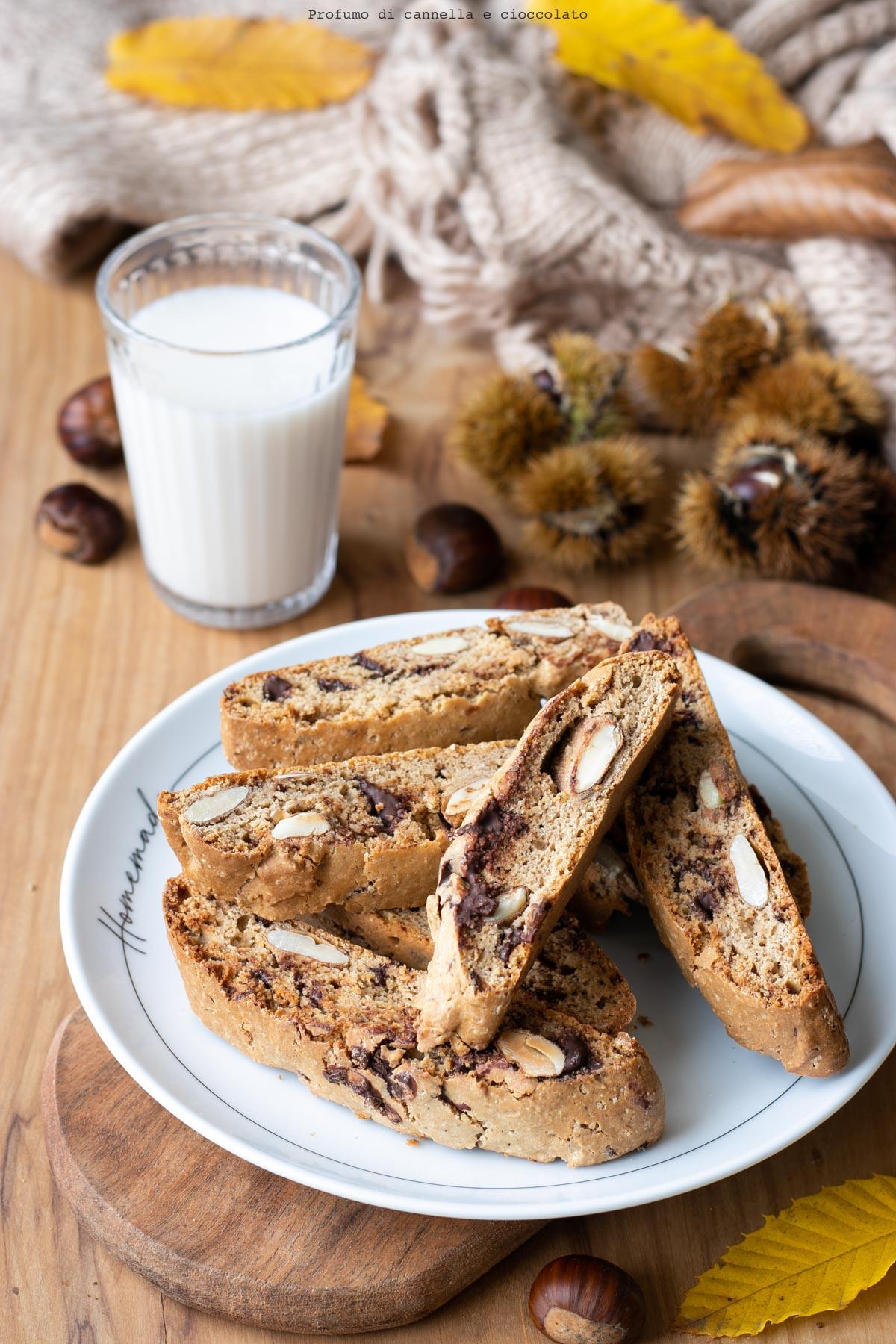 Cantucci con farina di castagne e cioccolato