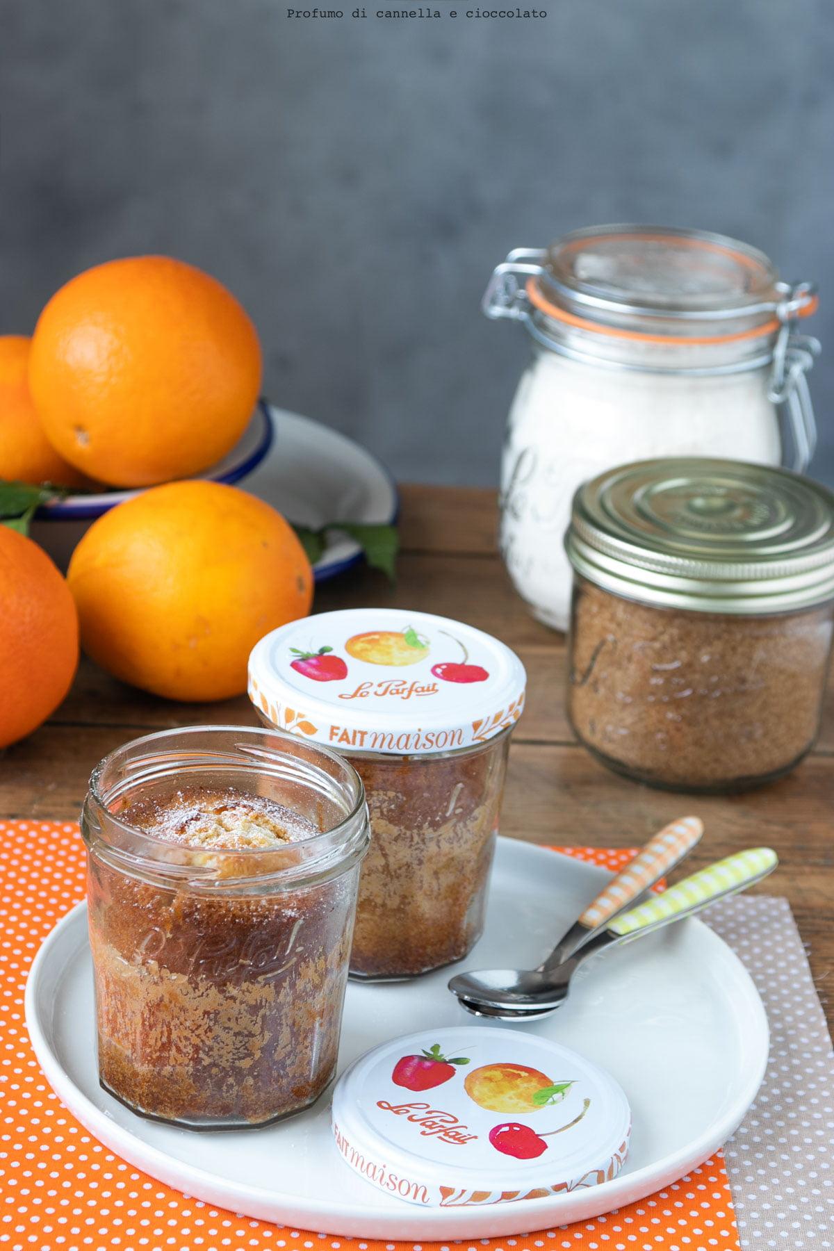 Torta in vasetto alle mandorle e arancia