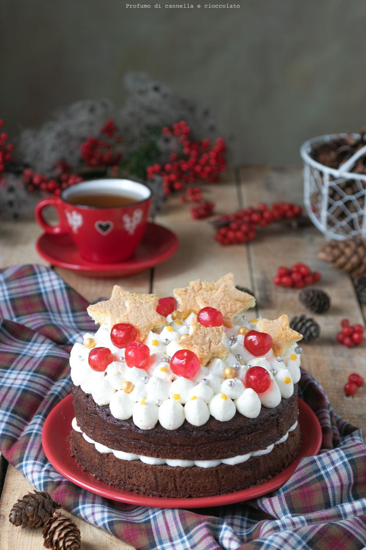 Torta al cacao con crema allo yogurt