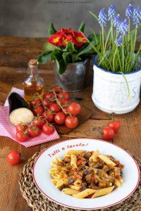 Pasta con melanzane e pomodorini