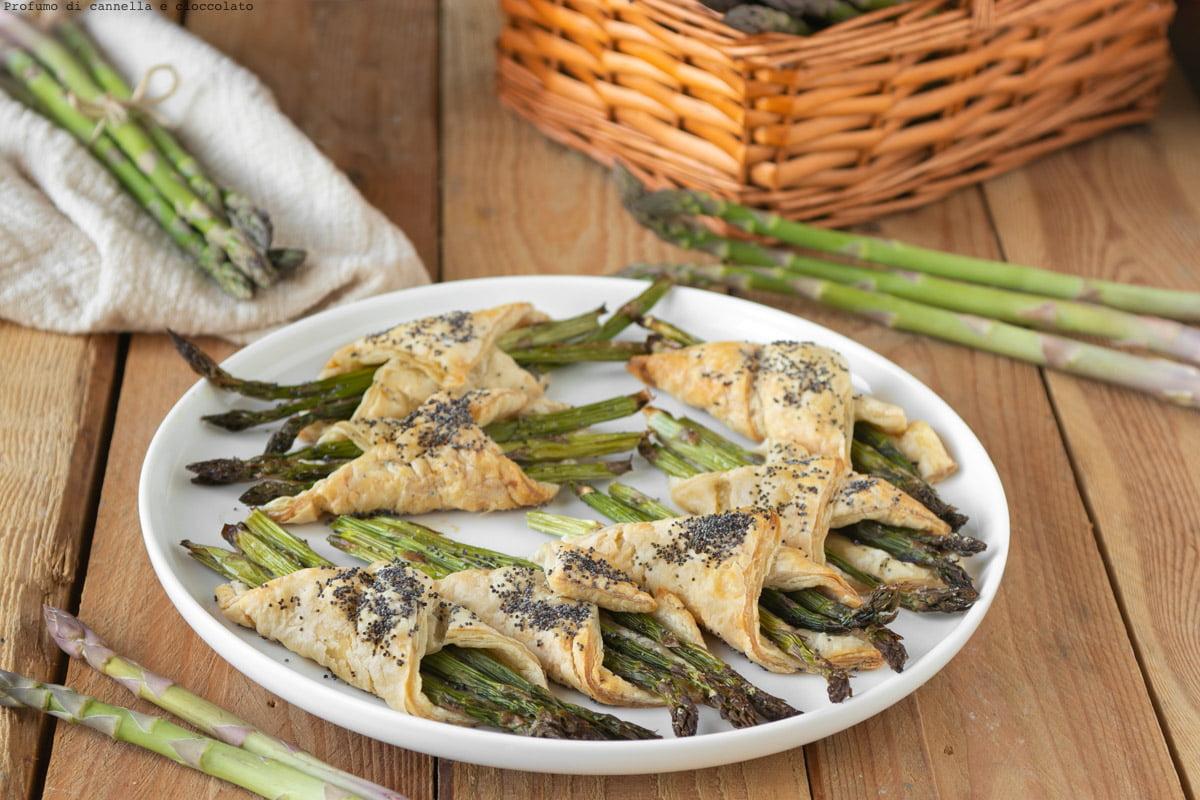 Involtini di pasta sfoglia con asparagi
