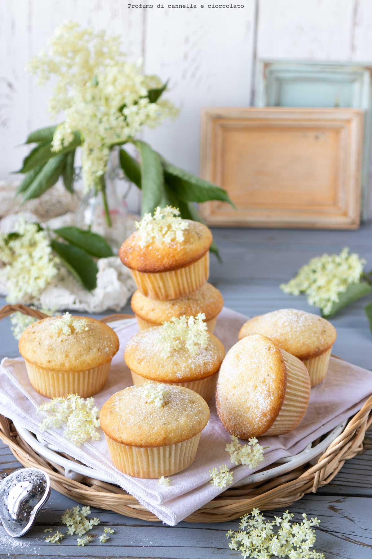 Muffin ai fiori di sambuco