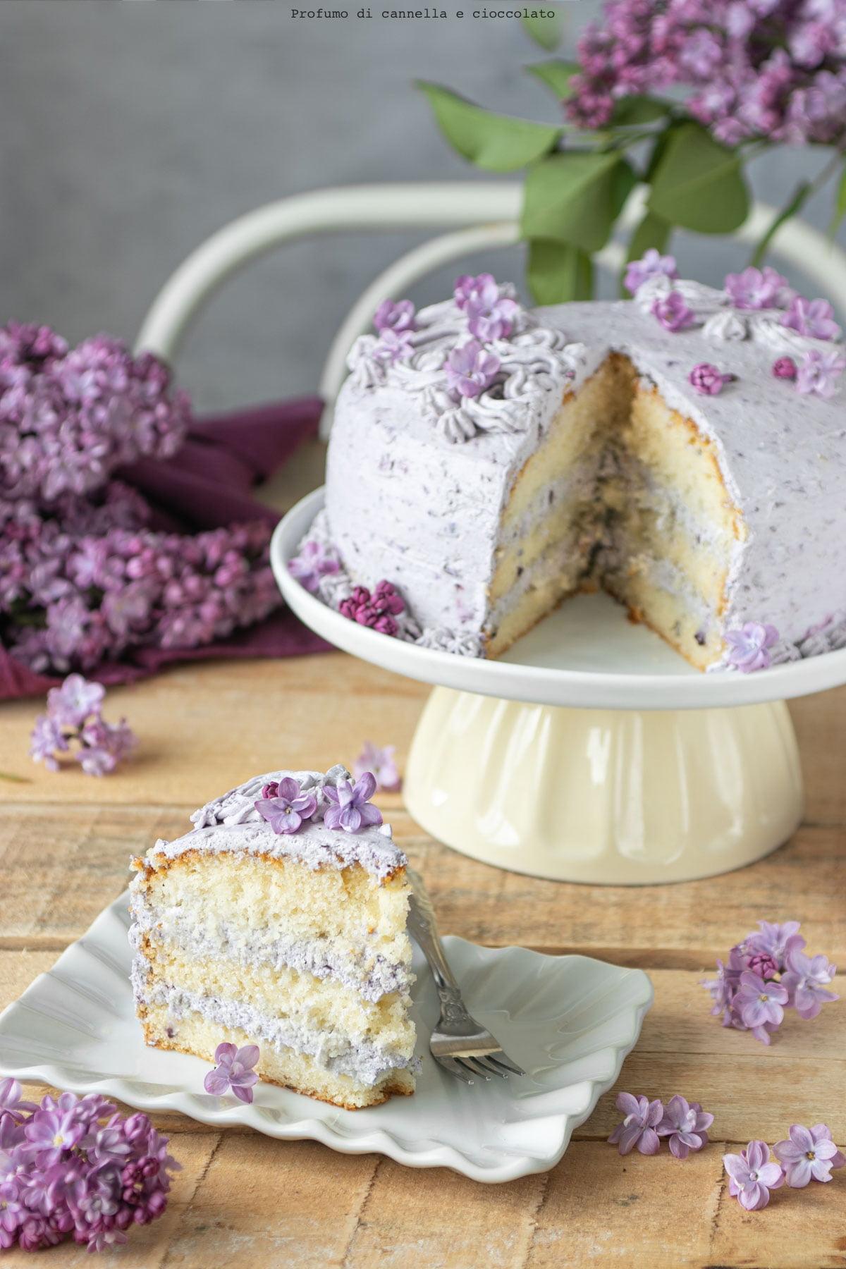 Ricetta torta farcita panna e mirtilli.