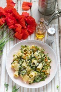 Pasta zucchine asparagi e fiori di zucca
