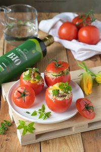 Pomodori freddi ripieni di cous cous