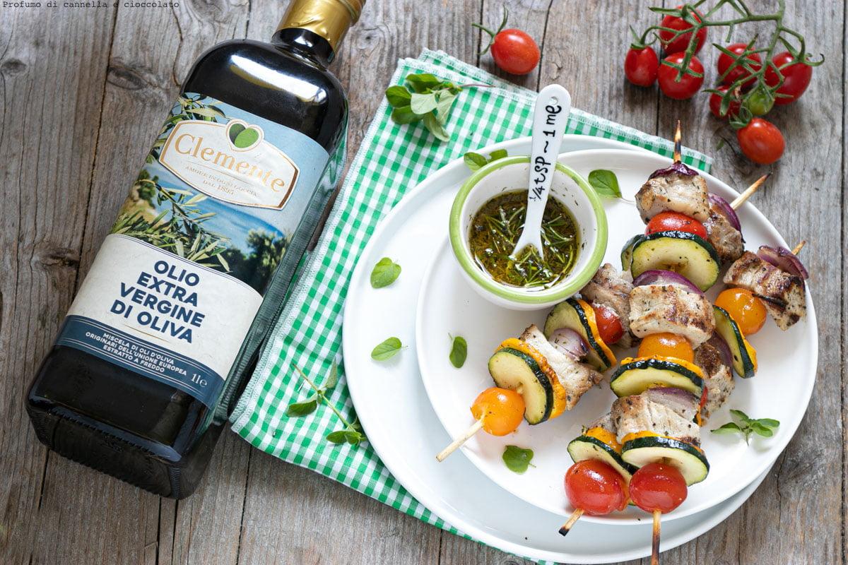 Spiedini di carne e verdure alla griglia