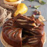 Torta versata al cacao e pere