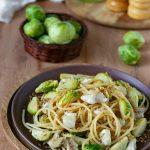 Spaghetti con cavoletti di Bruxelles triglie e limone